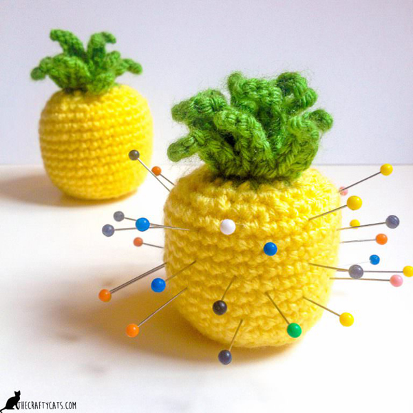 Pineapple Pincushion via The Crafty Cats