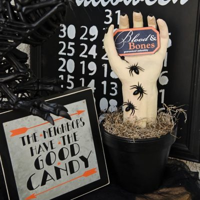 DIY Creepy Halloween Hand