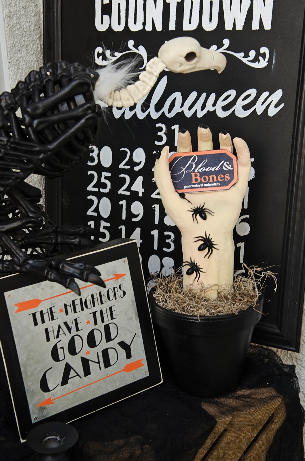 DIY Creepy Halloween Hand | Halloween Decorations