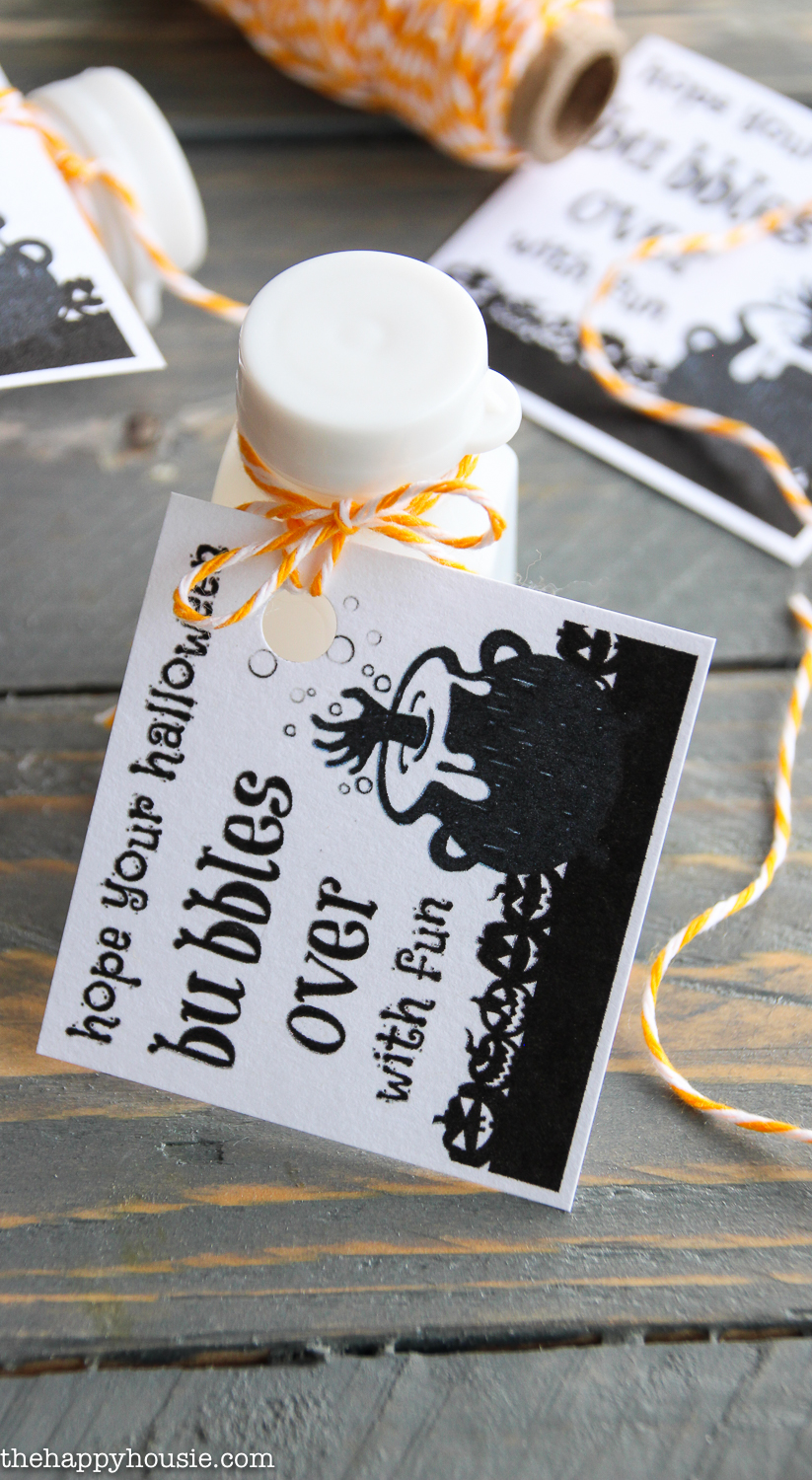 Non Candy Halloween Treats - includes the free printable tag!