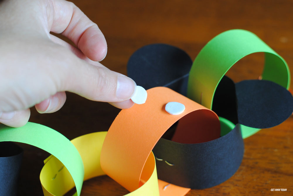 Halloween Paper Chain Countdown - Mickey Mouse Countdown