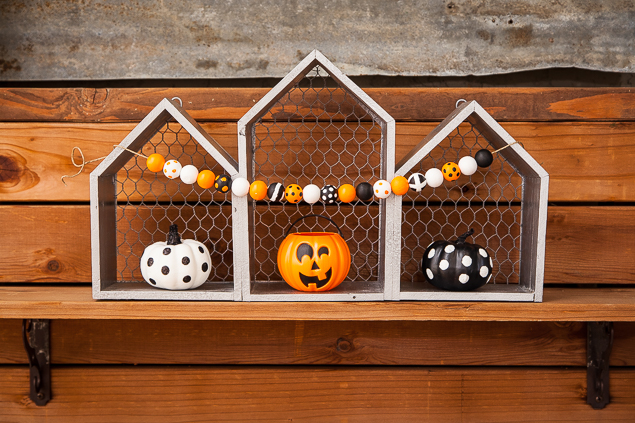 DIY Halloween Wood Bead Garland | Halloween Crafts