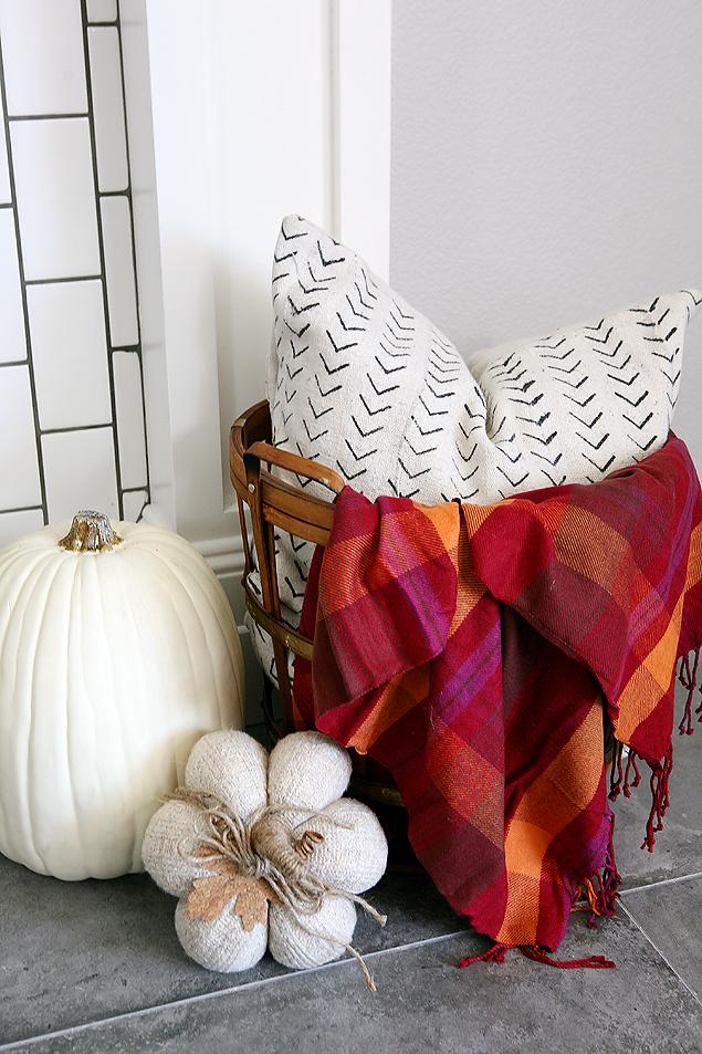 Pretty Fall Mantel - DIY Fall Mantel