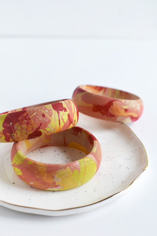 Colorful Marbled Bangles via Delineate Your Dwelling