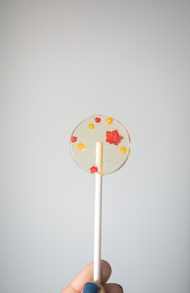 Fall Leaf Cinnamon Lollipops | Yummy Homemade Suckers