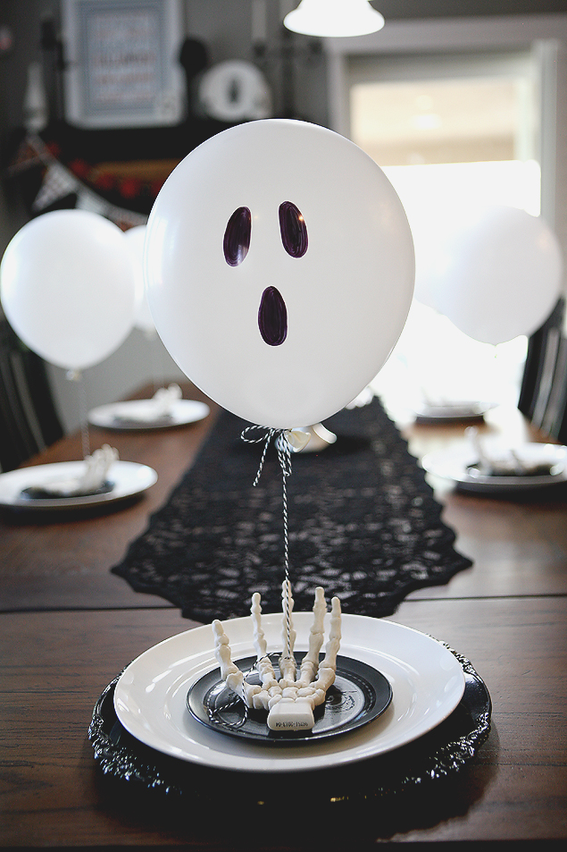 Balloon Ghost Table Setting from Eighteen25