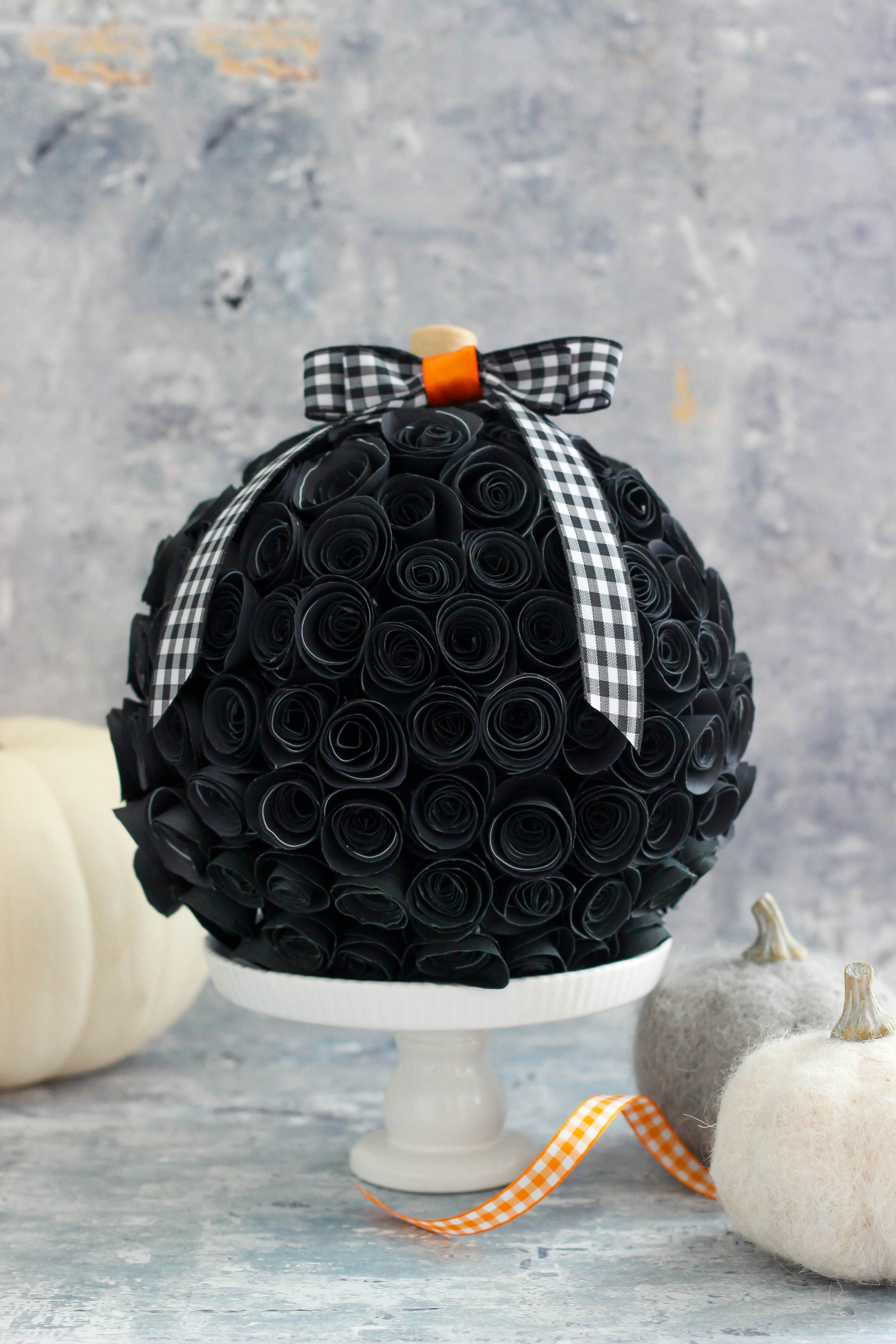Rolled Paper Flower Pumpkin via The Casual Craftlete