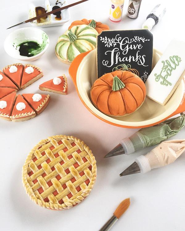 The Cutest Pumpkin Pie Cookies for Fall via Tinsel Box
