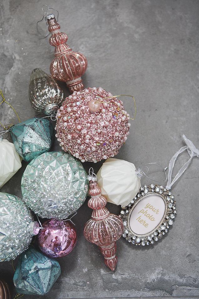 Charming Vintage Christmas Tree - Little Girls Christmas Tree Decorations