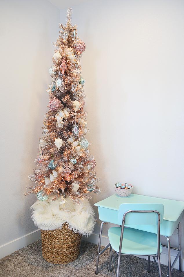 Charming Vintage Christmas Tree-Little Girls Christmas Tree Decorations