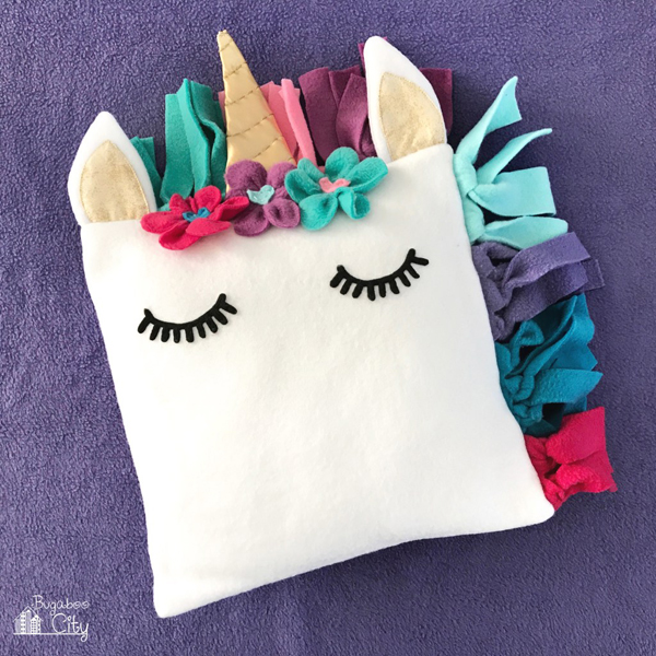 DIY Unicorn Pillow via Bugaboo City