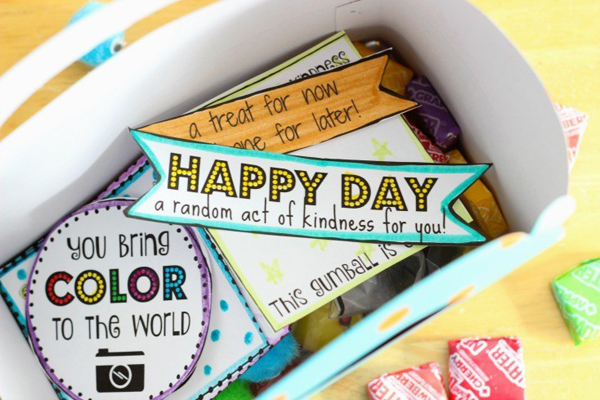 Random Acts of Kindness Printable Notes via Gluesticks