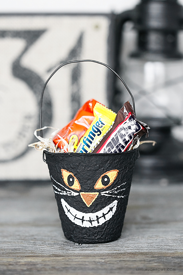 Halloween Party Favors using Peat Pots