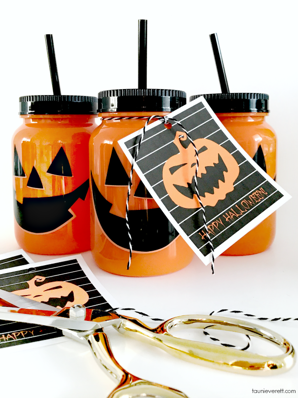 Jack-O-Lantern Halloween Gift Tags | Attach them to a small gift or treat for Halloween!