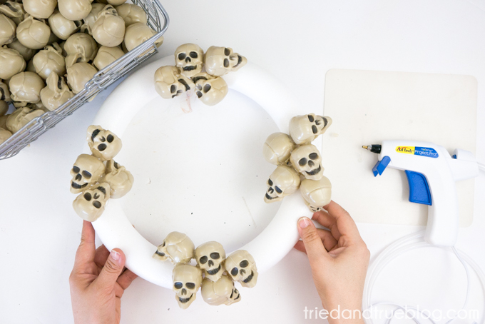 Metallic Skulls Halloween Wreath