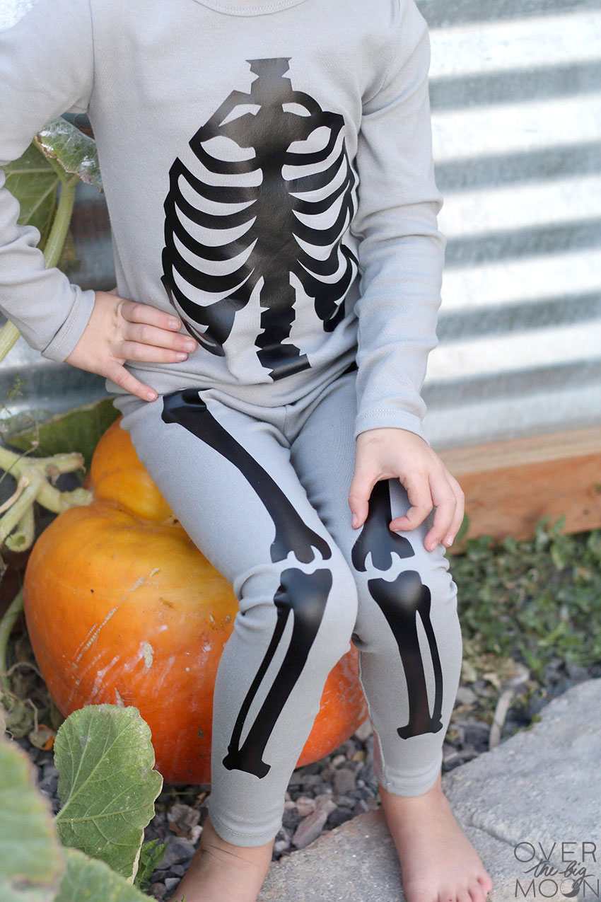 DIY Skeleton Pajamas you can make for your kids! So Cute.