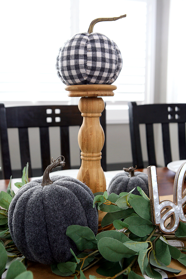 Love this fall farmhouse look for the table!