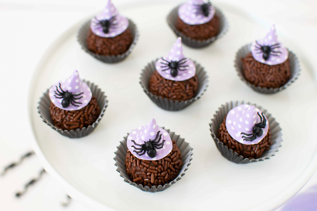 The cutest Halloween Chocolate Fudge Balls