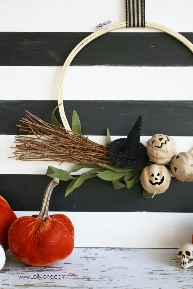 Make this adorable Halloween Hoop Wreath in under 10 minutes!