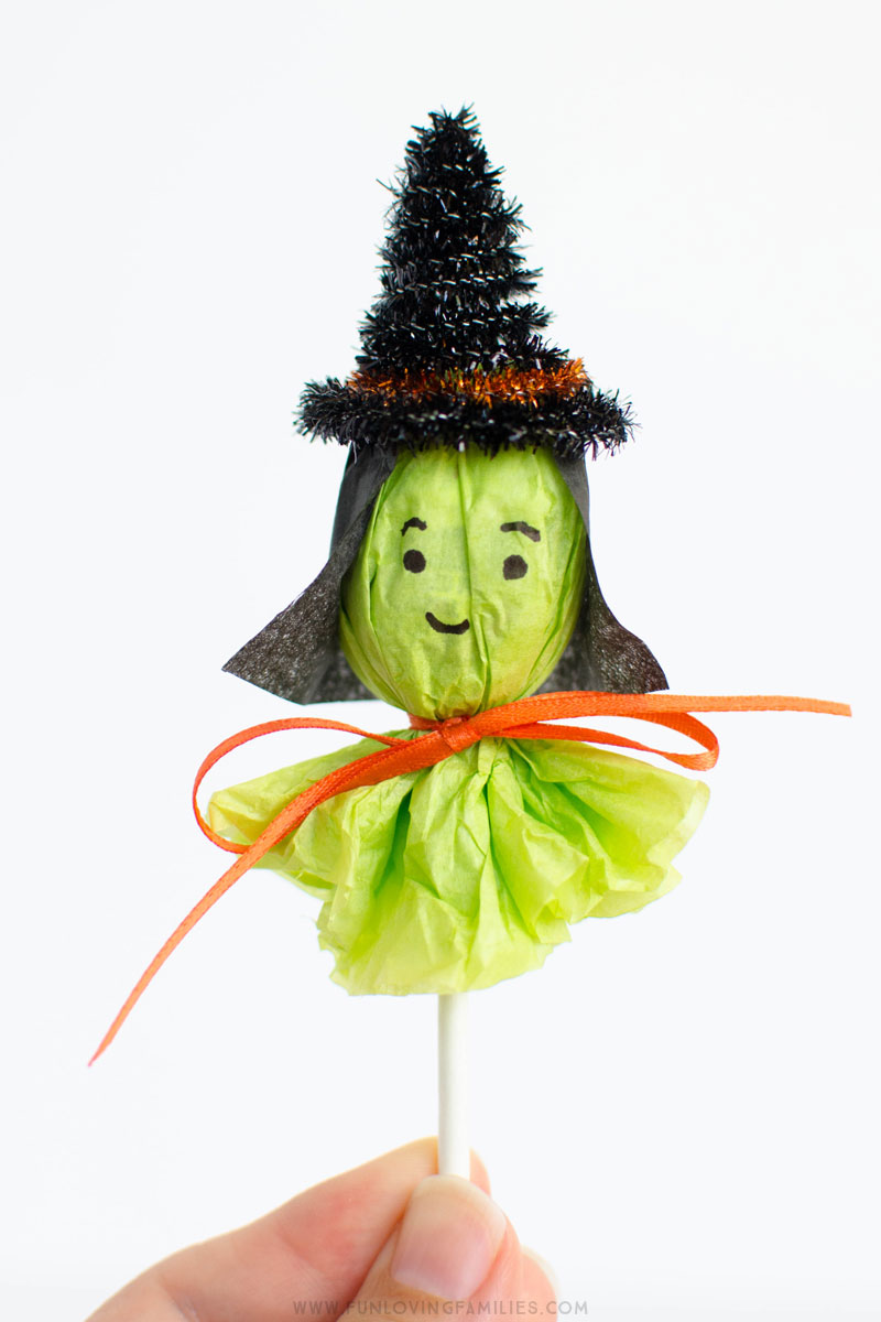 Halloween Witch Lollipops. So fun for the kids to make!