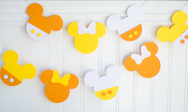 Mickey Mouse Halloween Party | DIY Mickey and Minnie Banner