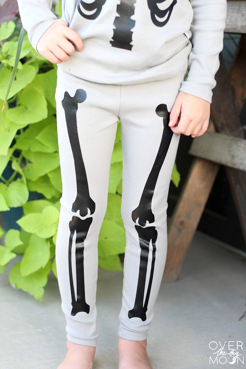Make your kids some cute Skeleton Pajamas this Halloween. They will love them!!