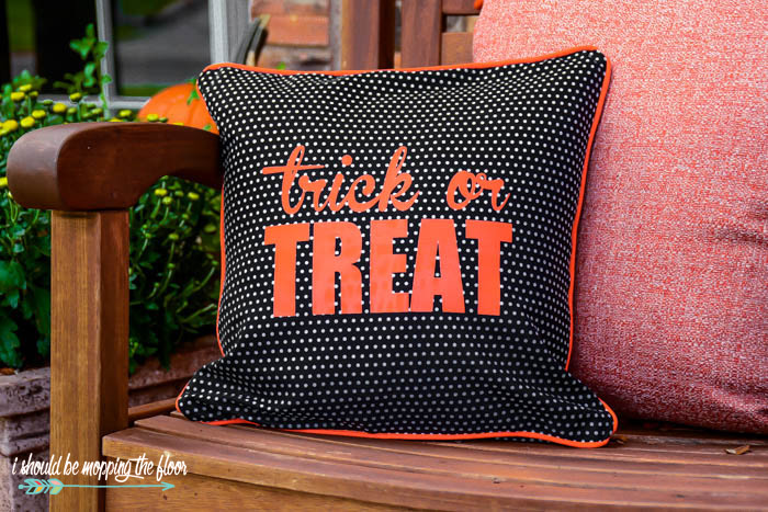 DIY Trick or Treat Halloween Envelope Pillow Cover
