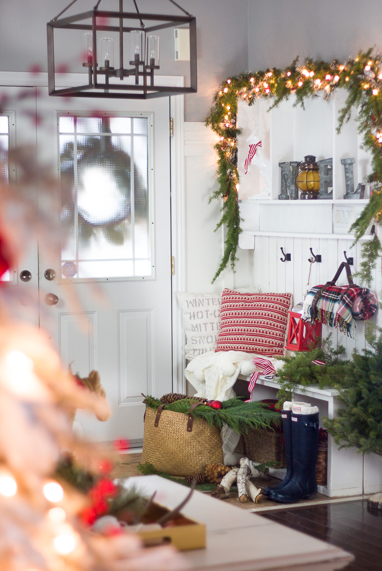 Farmhouse Christmas Decor - Farmhouse Christmas Mudroom | Craftberry Bush