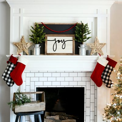 Farmhouse Christmas Mantel