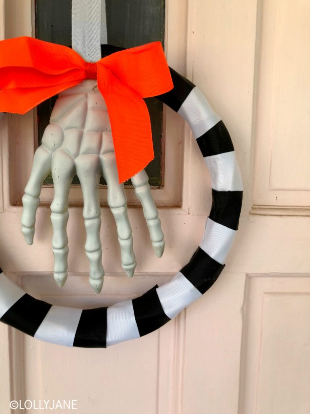 DIY Halloween Wreath You Can Make In About An Hour!