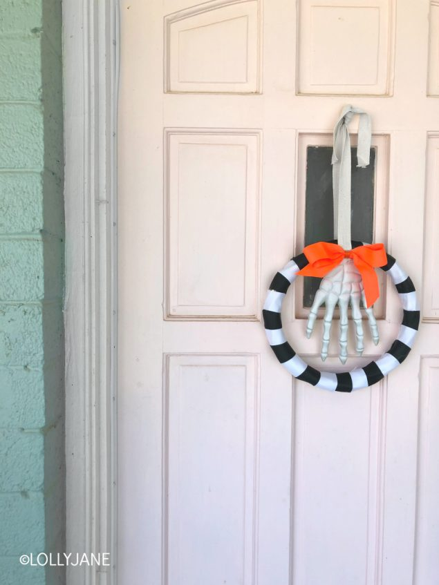 Super Cute Halloween Wreath to Make!