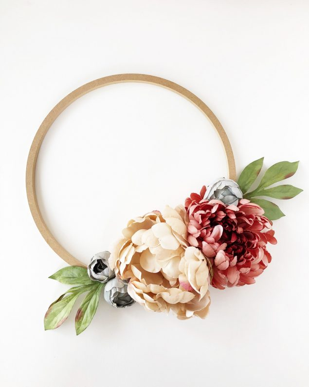 DIY Fall Floral Hoop Wreath | A Pretty Life