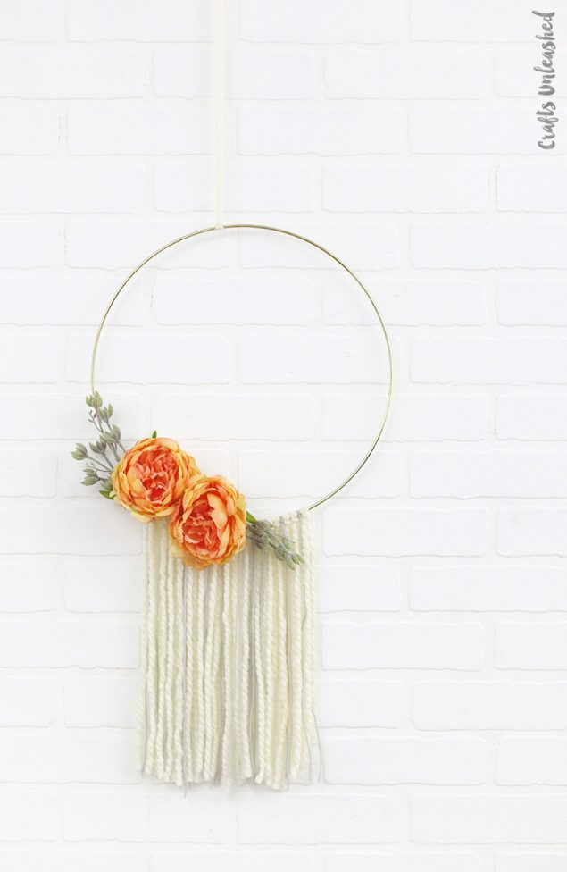 Simple Modern Fall Hoop Wreath | Crafts Unleashed