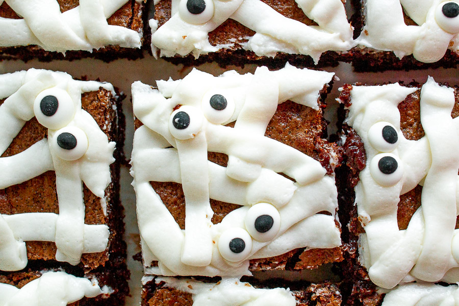 Fun and Easy Mummy Brownies for Halloween