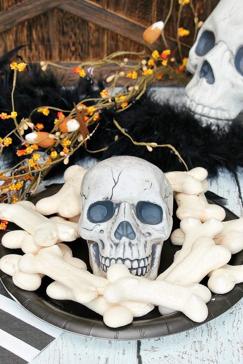 Adorable Meringue Bones for Halloween