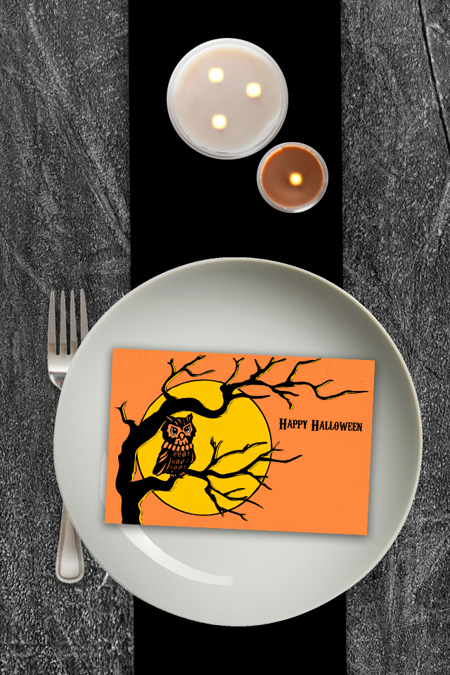 Retro Inpsired Printable Halloween Postcard.   The design and color are perfection.  Download yours today at Eighteen25.com