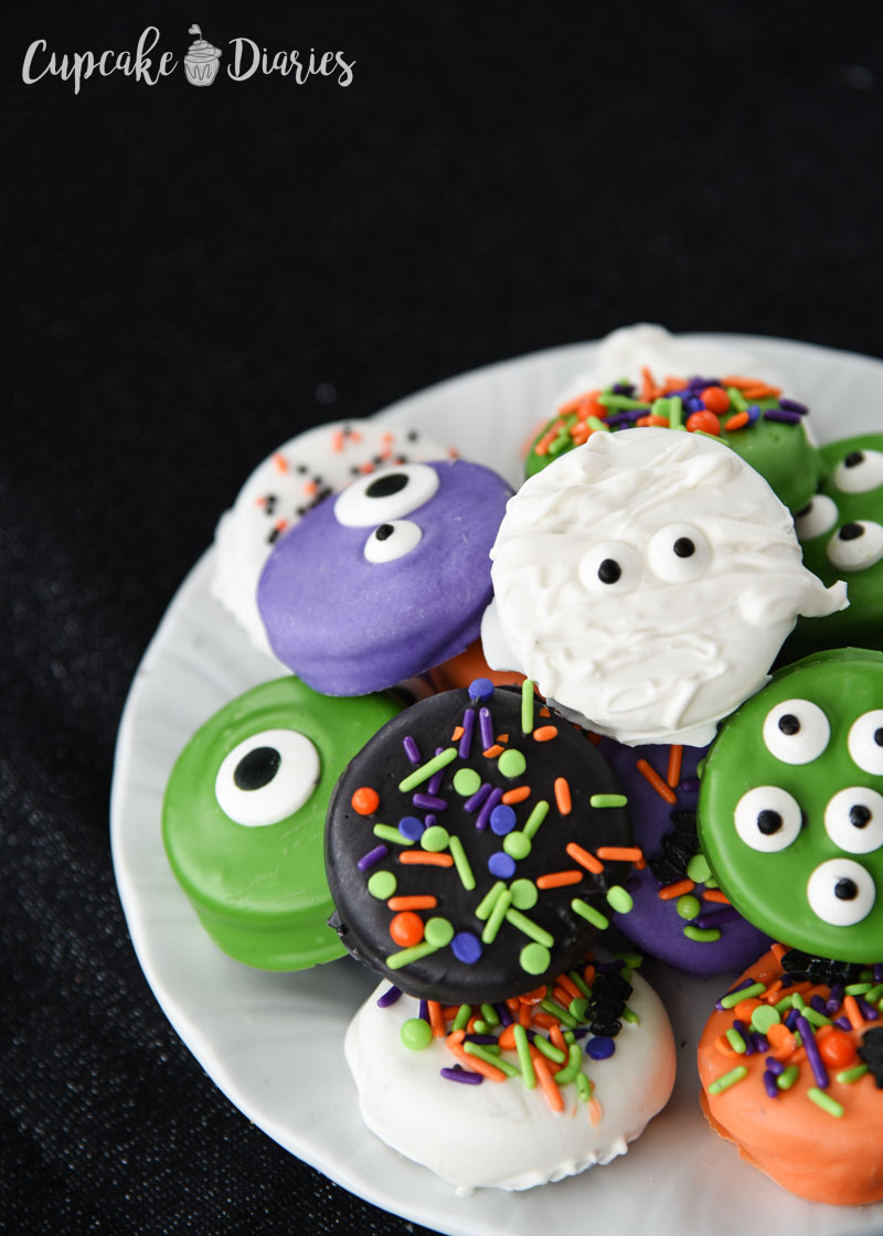 Super Cute Dipped Oreos For Halloween