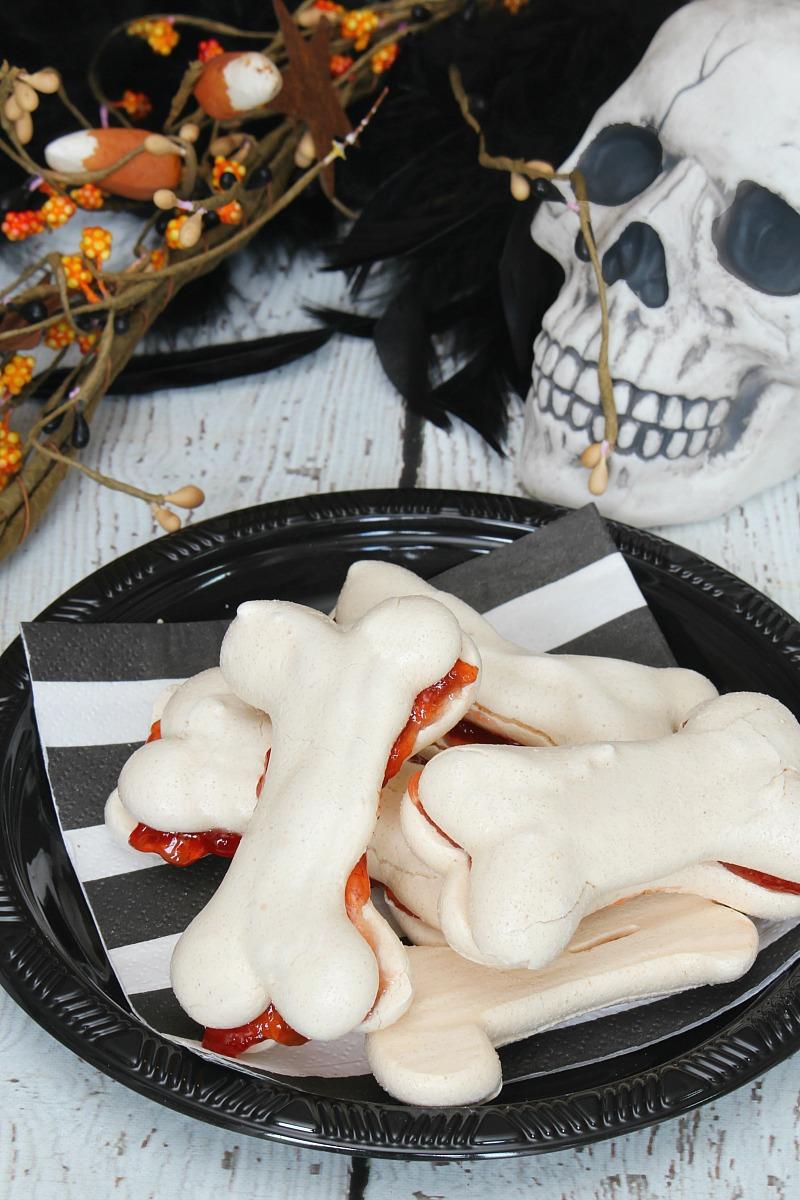 Halloween Treats. Meringue bones!